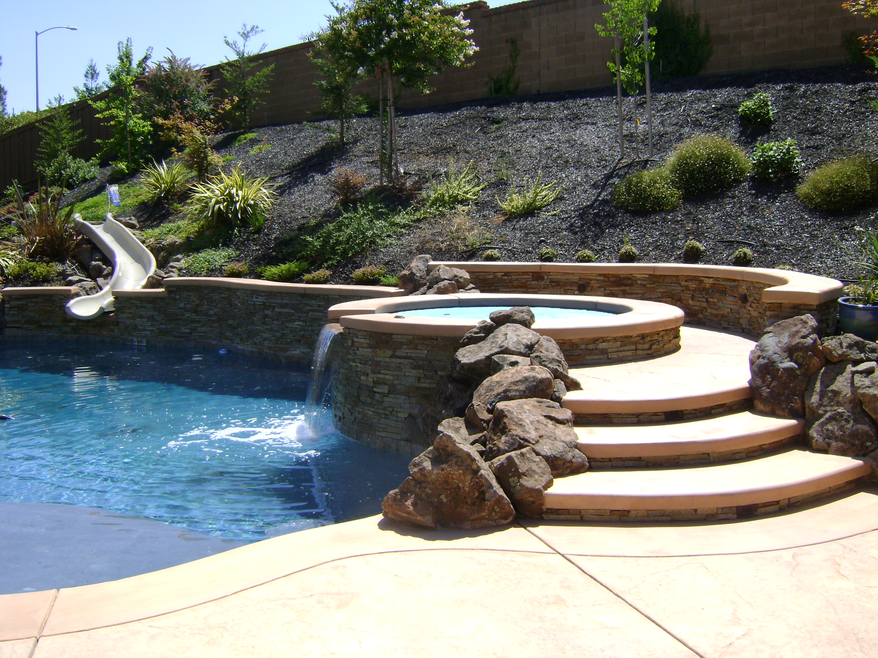 Pool Designs And Landscaping swimming pool/spa design